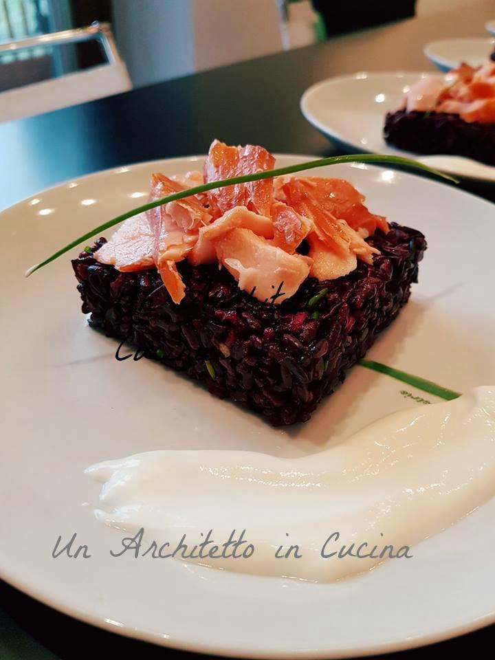 Antipasto di Natale: Salmone su riso venere